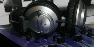 音響設備機器